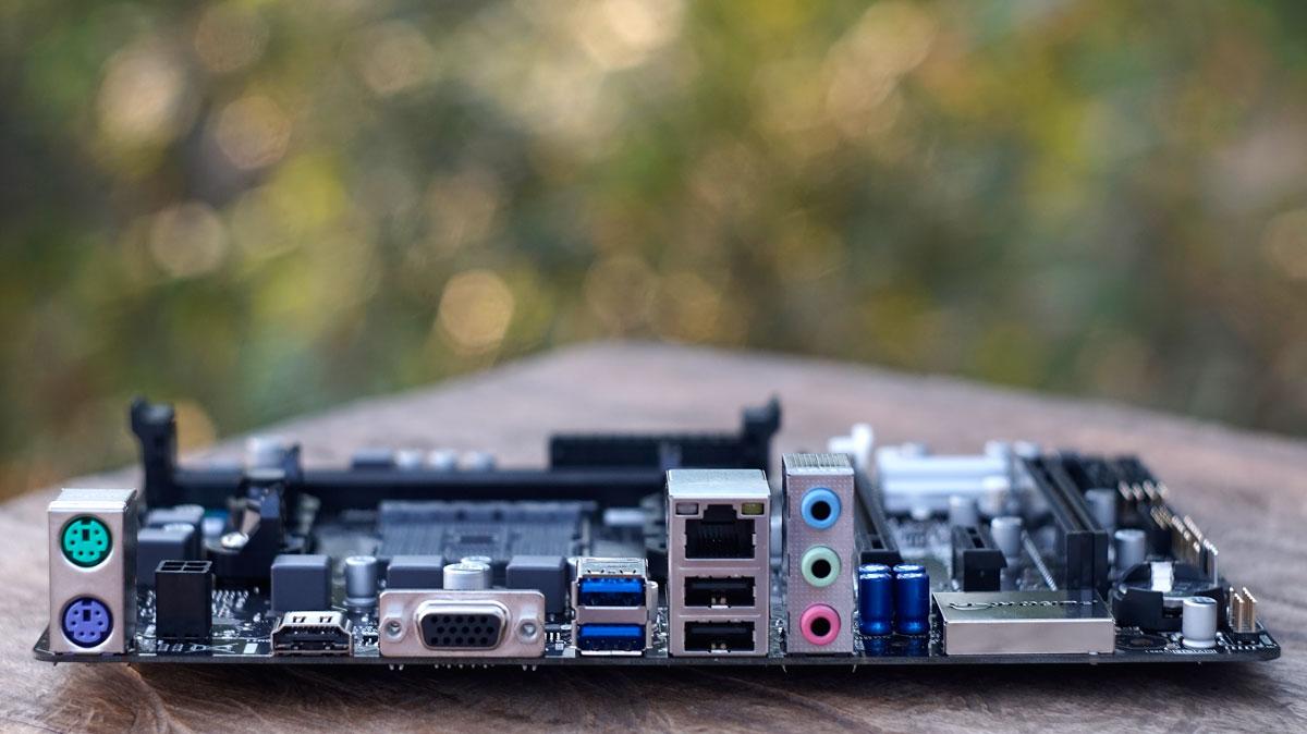 BIOSTAR Hi-Fi A70U3P (10)
