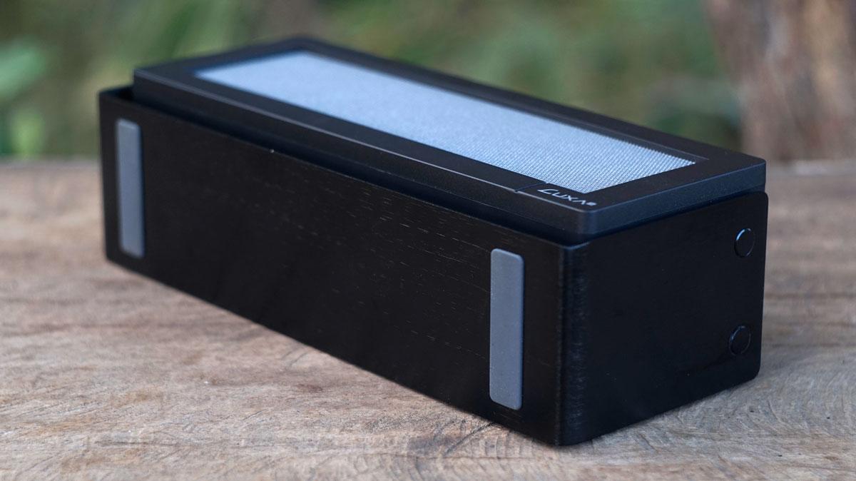 LUXA2-GroovyA-Wireless-Speaker-5