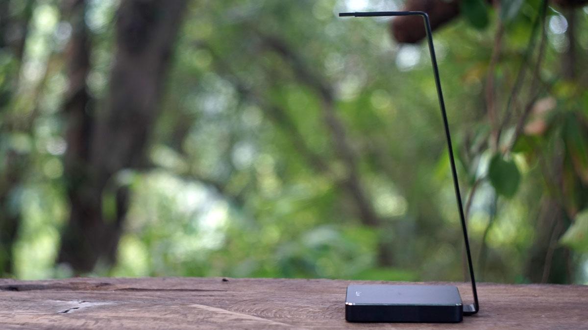 LUXA2 E-One Headset Holder (6)