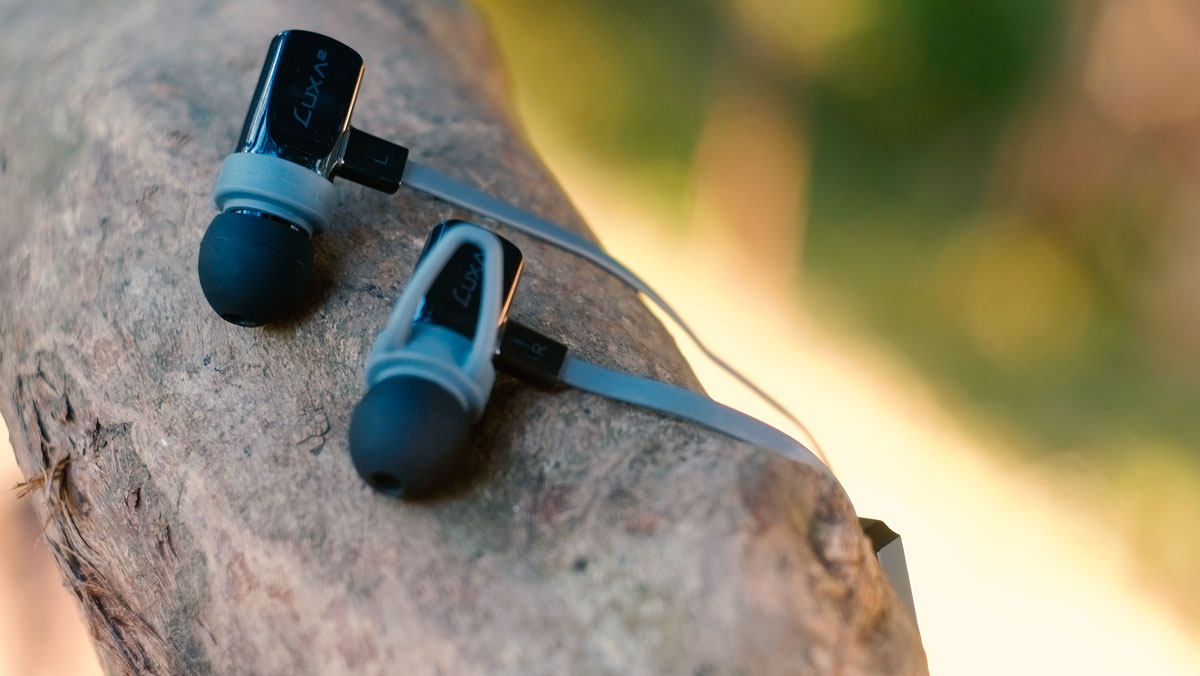 LUXA2-Lavi-O-In-Ear-Images-4