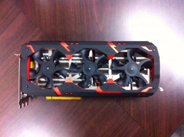 PowerColor R9 295X2 Devil13 Tease (1)