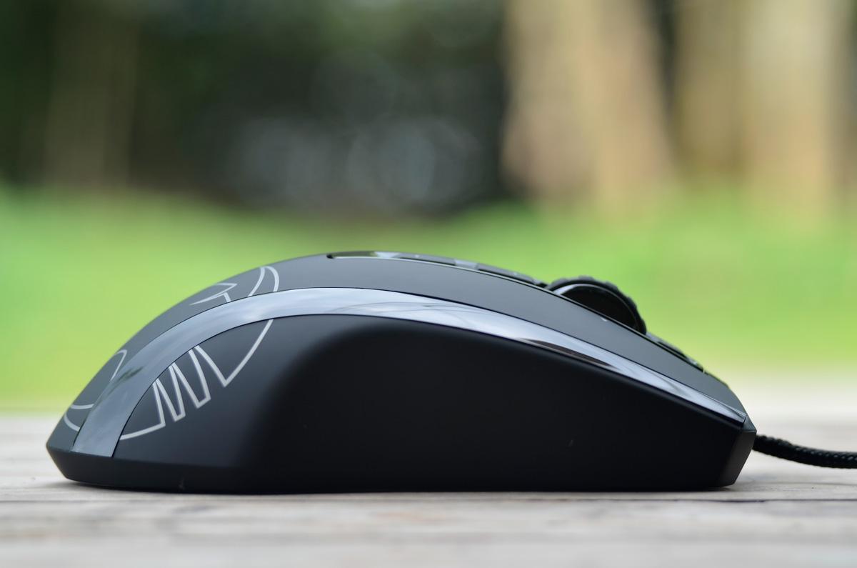 ROCCAT-Kone-XTD-Gaming-Mouse-8