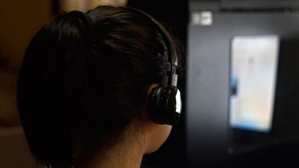 LUXA2-LAVI-L-Headset-12