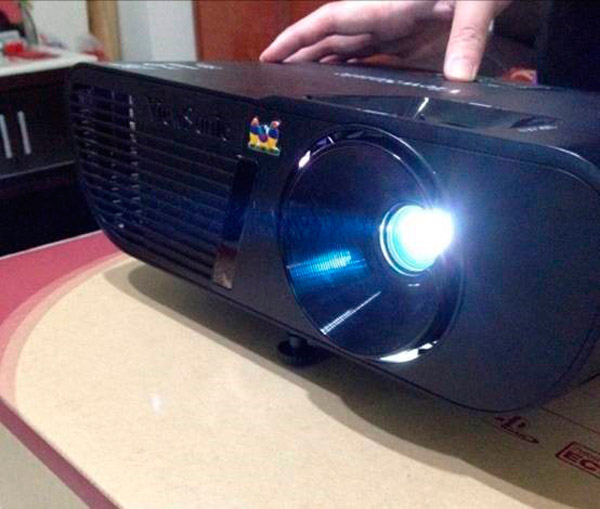 ViewSonic-PJD5255-Unboxing-6