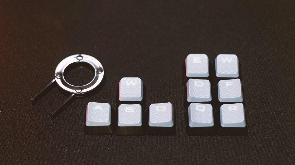Corsair-Strafe-Mechanical-Keyboard-11