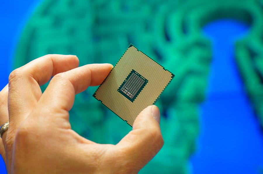 Intel-Xeon-E5-2600-22-Core-News-2