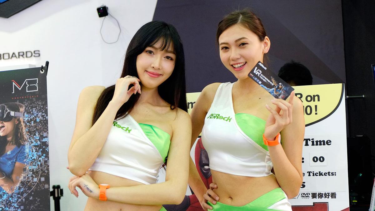 ASROCK-COMPUTEX-2016-Taichi-Board-7