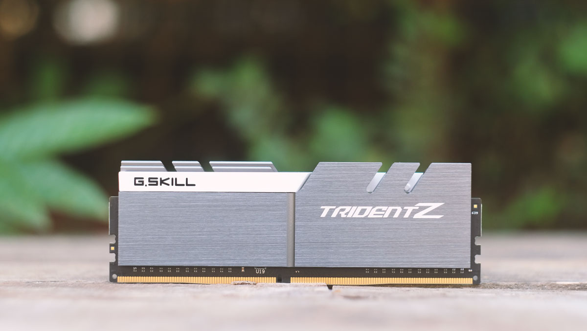 G.Skill-Trident-Z-Pictures-5