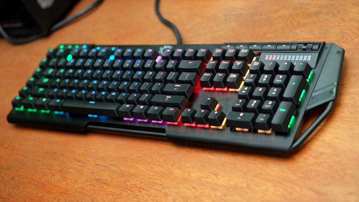 G.Skill-RIPJAWS-KM780-RGB-Keyboard-1