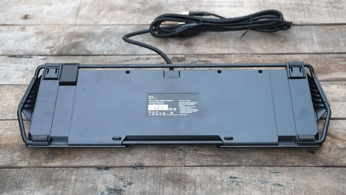 G.Skill-RIPJAWS-KM780-RGB-Keyboard-16