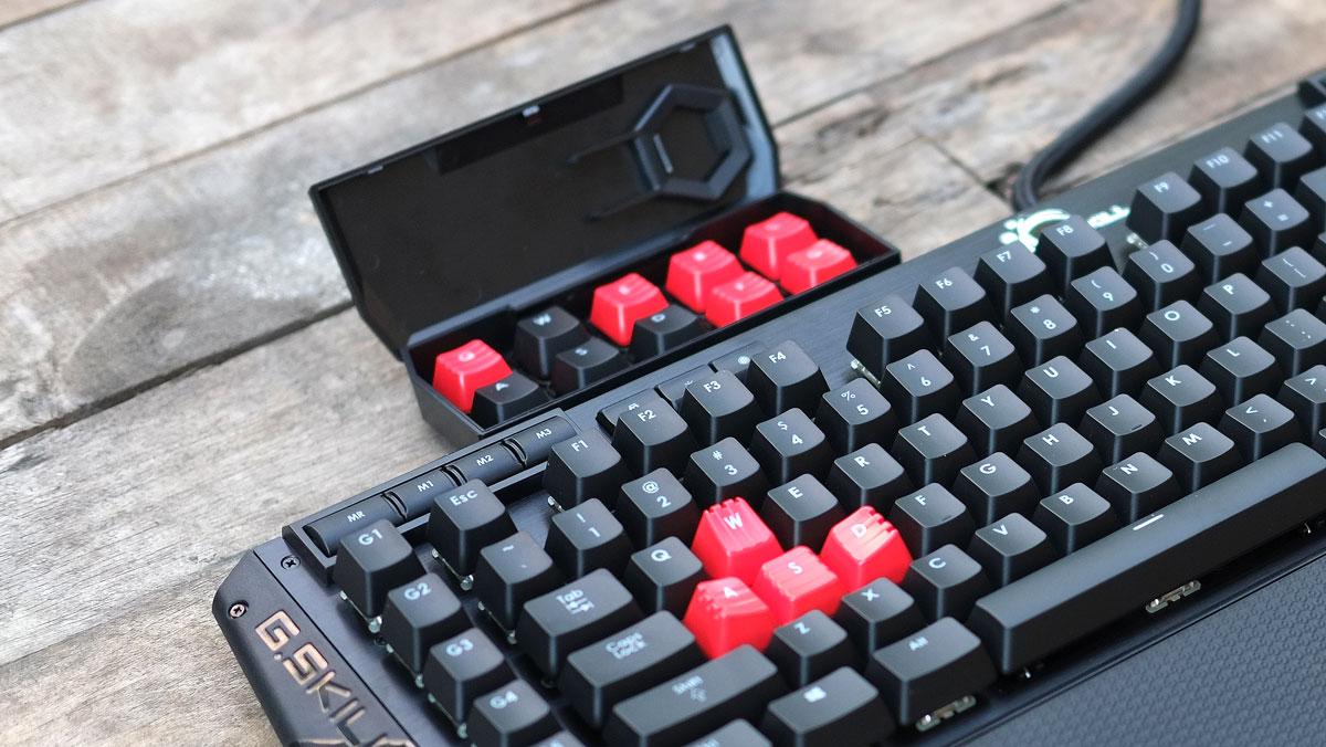 G.Skill-RIPJAWS-KM780-RGB-Keyboard-21-1