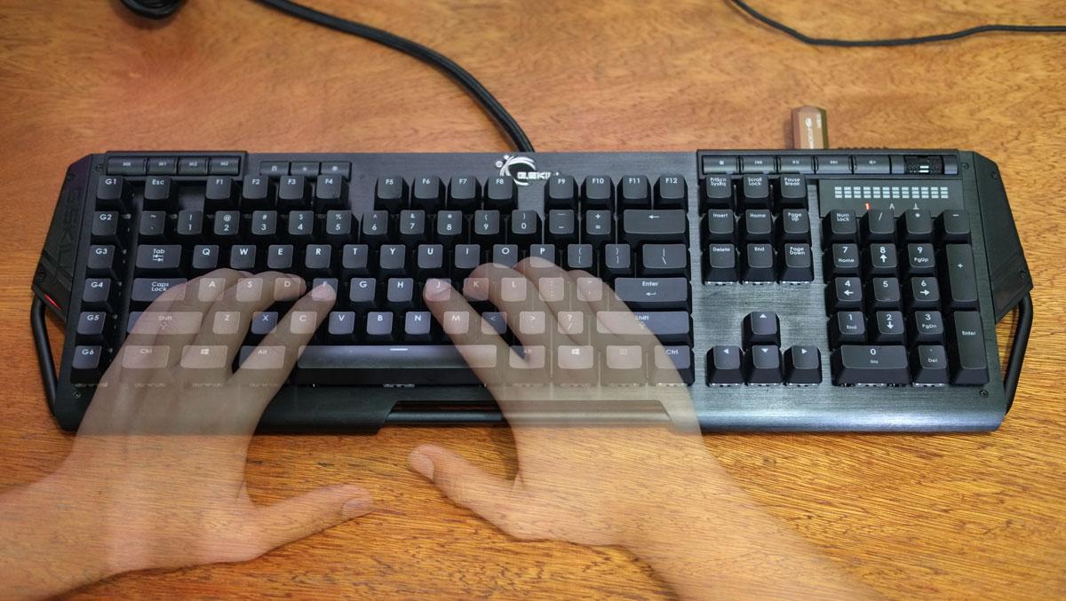 G.Skill-RIPJAWS-KM780-RGB-Keyboard-22