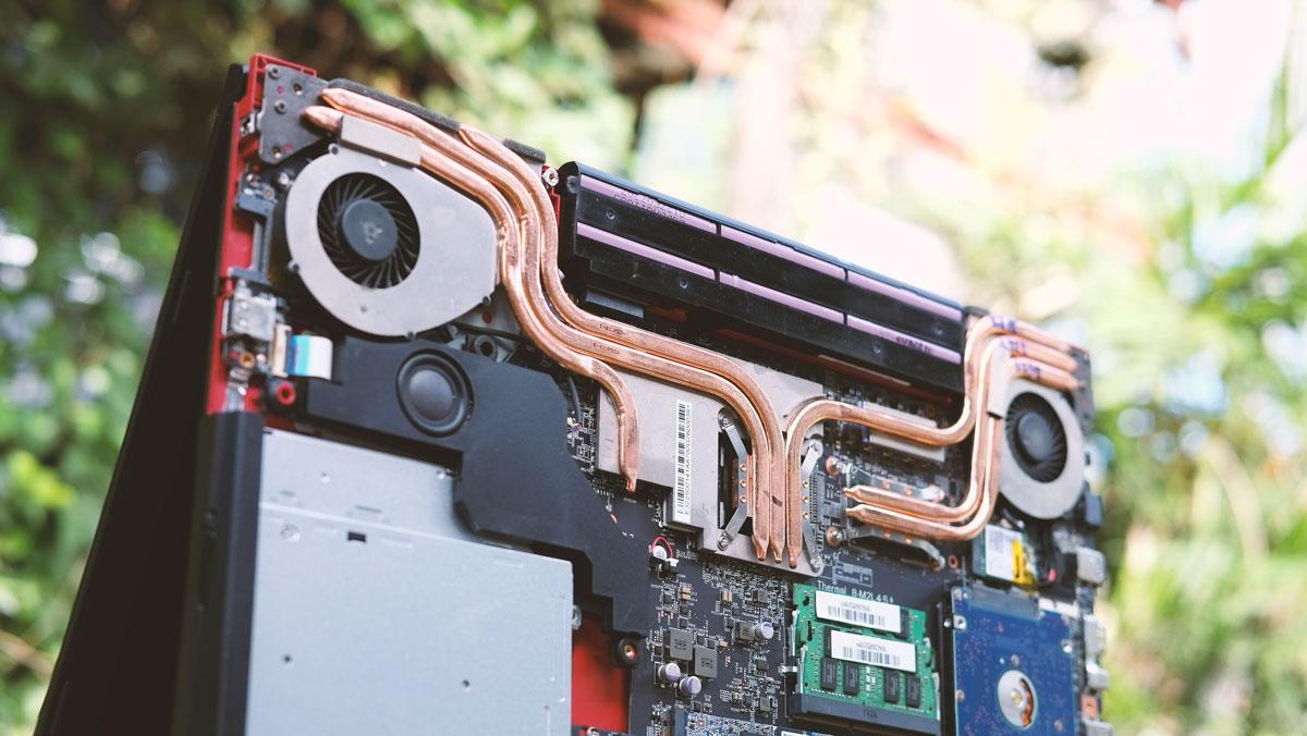 MSI-GE72VR-Gaming-Notebook-9