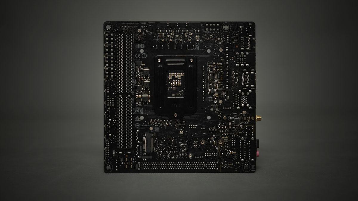 ASUS ROG Strix Z270I Gaming ITX 10