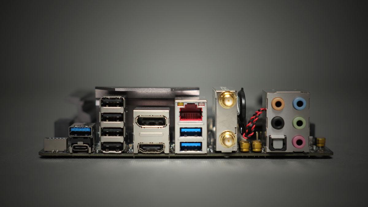 ASUS ROG Strix Z270I Gaming ITX 13