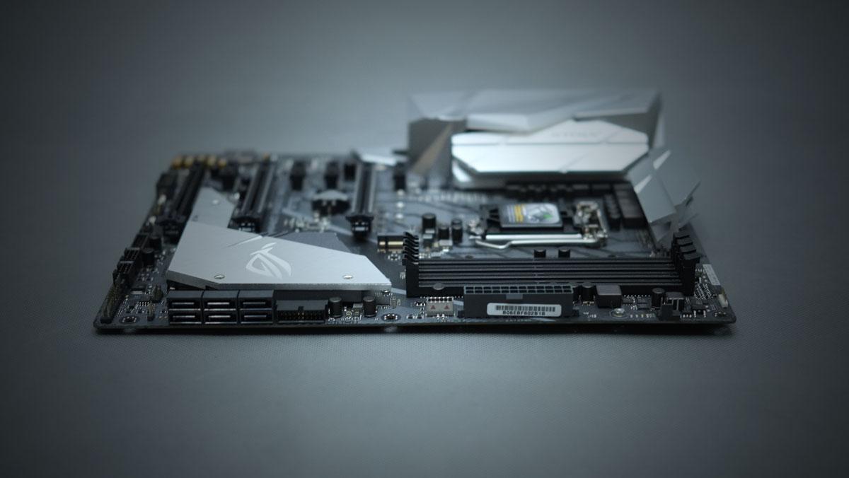 ASUS ROG Strix Z370 E Gaming 6