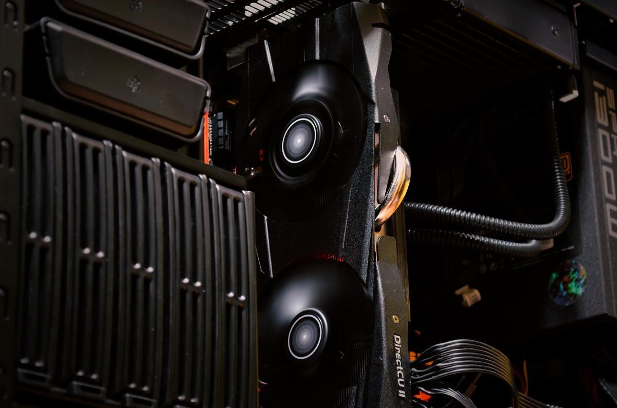 ASUS-Radeon-R9-290X-DirectCU-II-OC-9