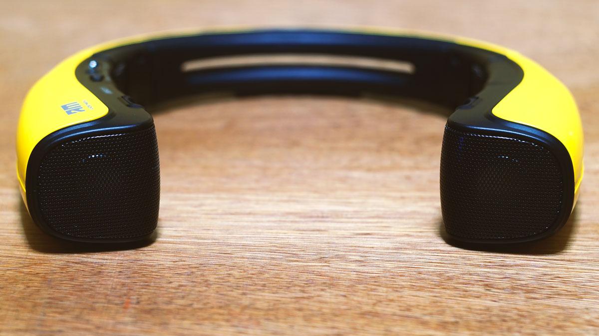 Andromedia-Curve-Mini-Speaker-Stand-9