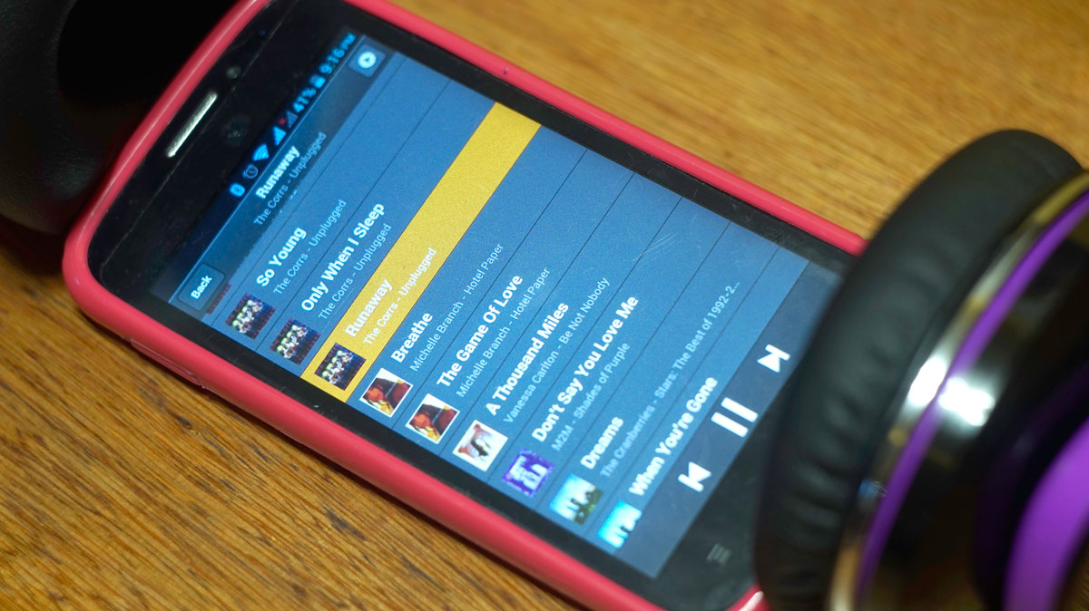 Andromedia-Intense-M-Wireless-Bluetooth-Headset-14