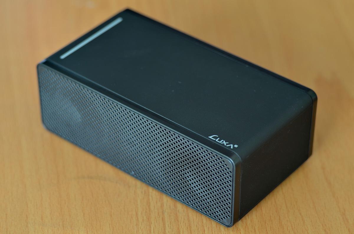 LUXA2-Groovy-T-Wireless-Speaker-4