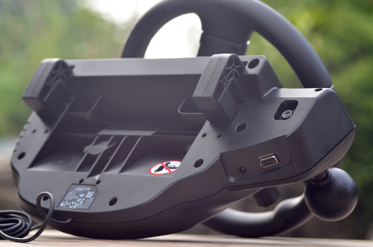 Logitech-Gaming-Driving-Force-GT-11