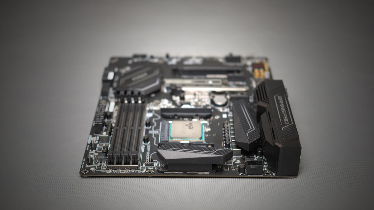 MSI B350 Pro Gaming Carbon Review 7