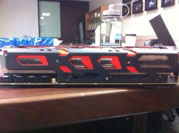 PowerColor-R9-295X2-Devil13-Tease-3